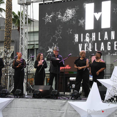 Highland Village 2018 - Launch Of The Holiday Shopping Card - Highland Village  <br><small>Oct. 21, 2019</small>